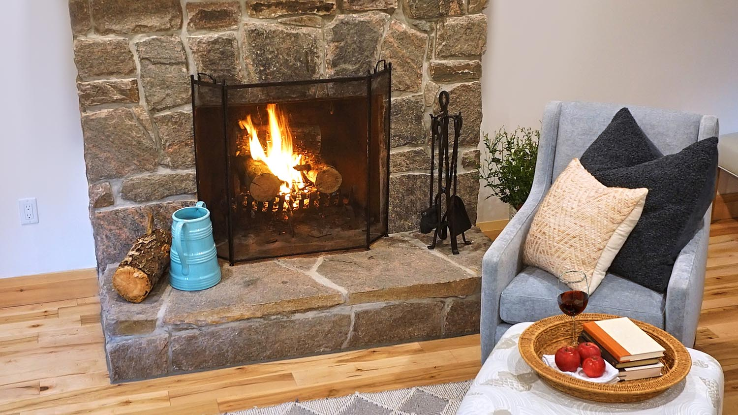 HPH-Post-House-Fireplace-Cottage-Vignette-Wine